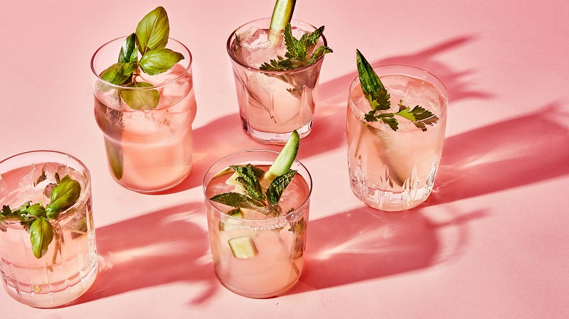 5 نوشیدنی کمقند و سالم برای فرار از گرمای تابستان