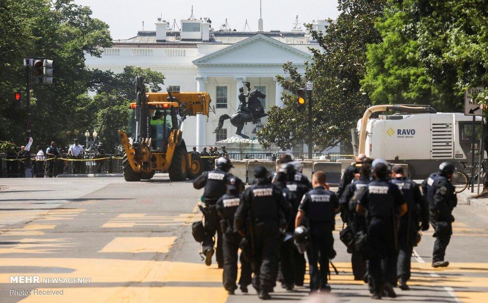 حصار امنیتی پلیس آمریکا در اطراف کاخ سفید + عکس