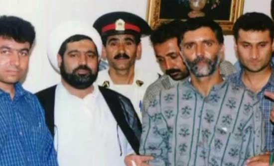 قاضی منصوری در کنار قاتل زنان خیابانی مشهد + عکس