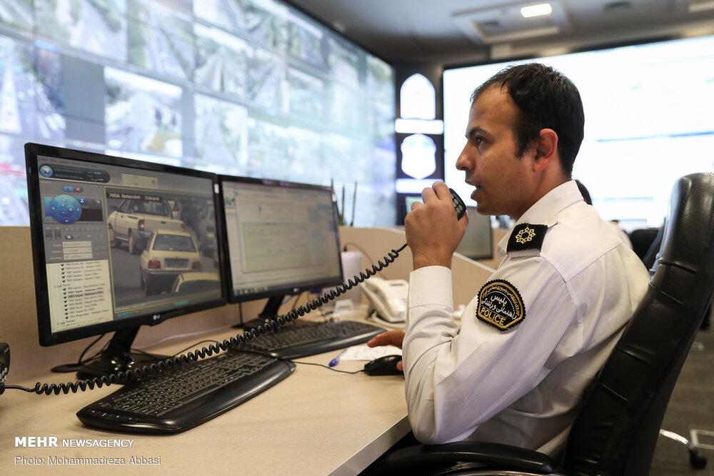 رصد دقیق خودروها در مرکز فرماندهی و کنترل هوشمند ترافیک پلیس + عکس