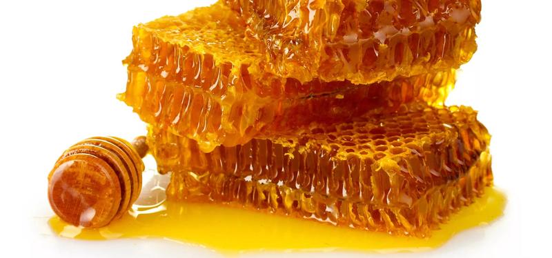 8 معجزه عسل بر روی پوست