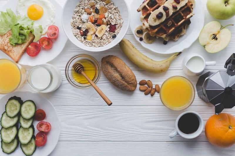 ۴ صبحانهای که باید از خوردنشان دوری کنید