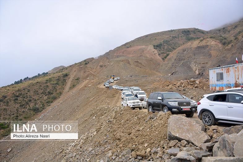 کاروان خودروهای لاکچری وزیر راه در بازدید از یک پروژه + عکس