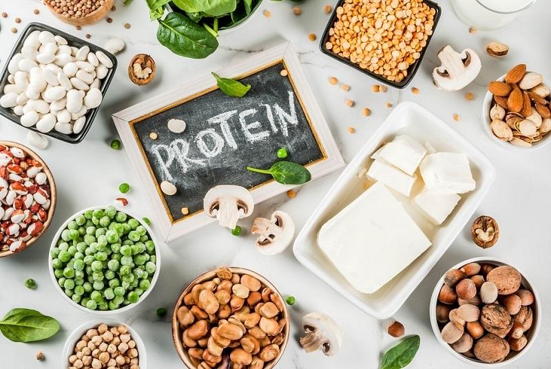 ۱۰ دلیل علمی که به مصرف پروتئین ترغیبتان میکند