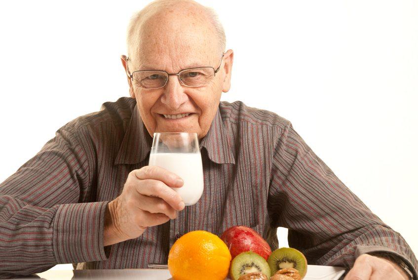 سالمندان برای در امان ماندن از کرونا چه الگوی غذایی داشته باشند؟