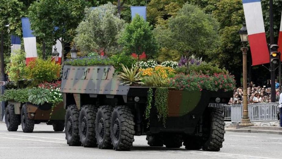 تانکها و هواپیماهای گلخانه ای! + عکس