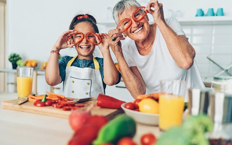 بهترین نوع رژیم غذایی برای حفظ سلامت چشم در سالمندی