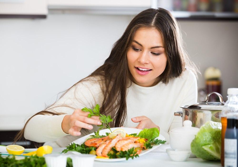 اختصاصی| برای پیشگیری از کرونا روزانه چند وعده غذا بخوریم؟