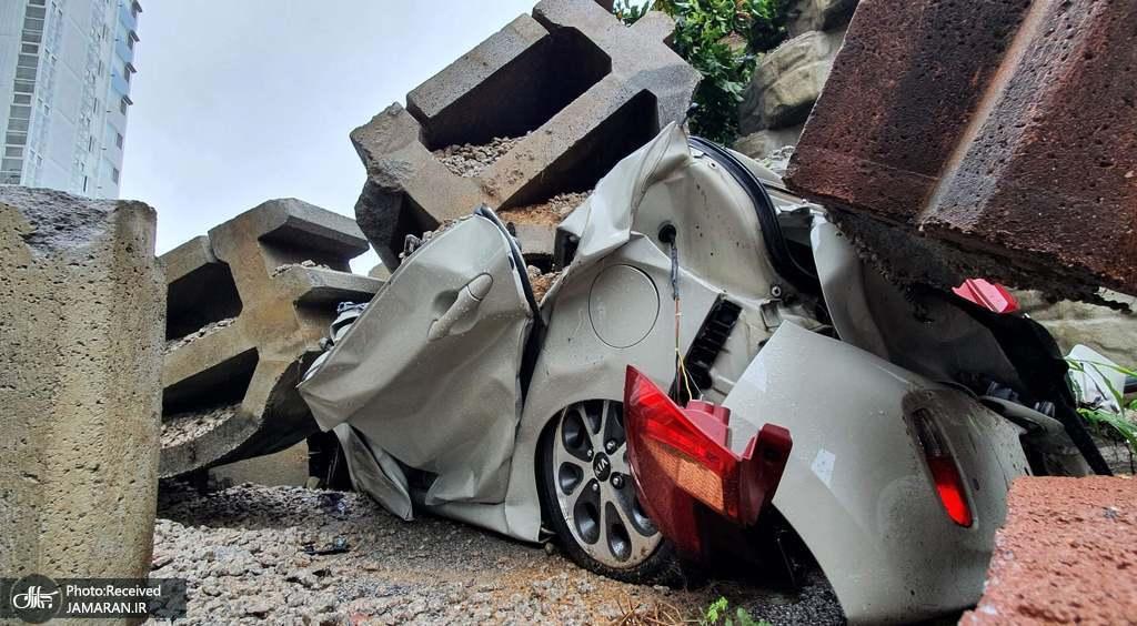 ماشین له شده در طوفان کره جنوبی +عکس