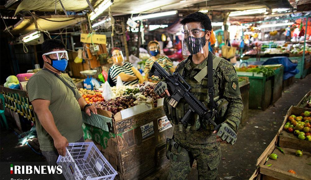 گشت پلیس مسلح فیلیپین برای ماسک زدن! + عکس