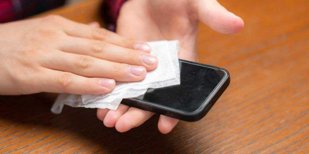 اسپری مستقیم الکل ممکن است باعث انفجار موبایل شود!
