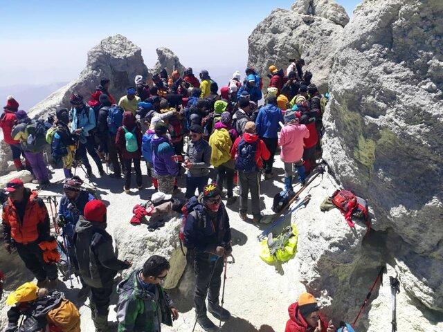 شوخی کوهنوردان با کرونا