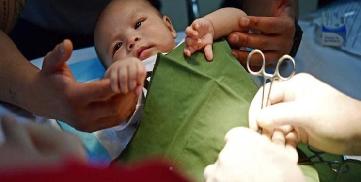 خطر  این بیماری در کودکان «پسر»