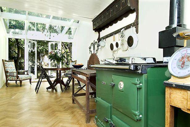 باریک ترین خانه لندن با ۱۶۵ سانتیمتر عرض که ۱ میلیون پوند قیمت دارد + عکس