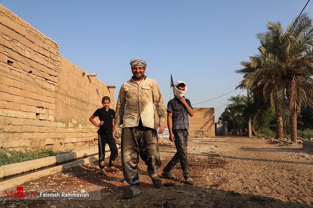 بازدید فرمانده سپاه تهران از روند بازسازی مناطق سیل زده اهواز + عکس