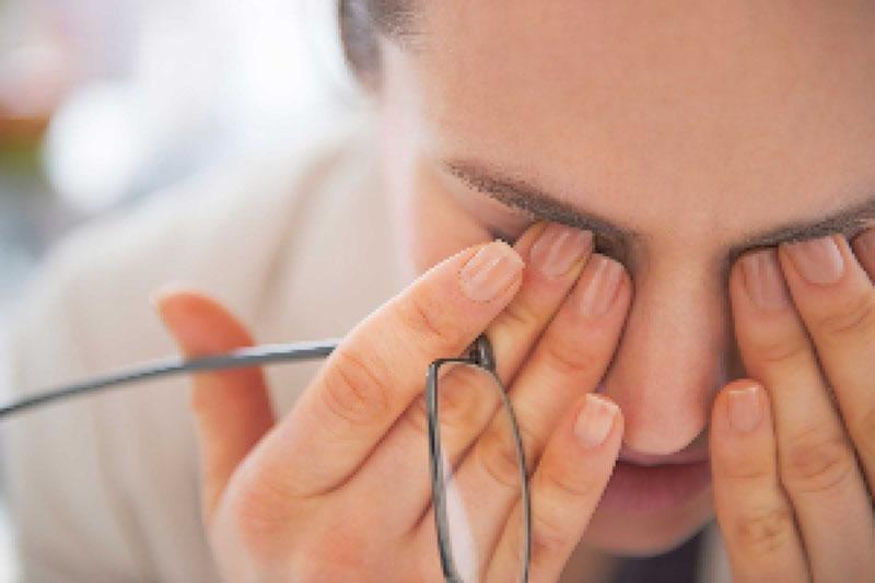 علت مهم خستگی و سوزش چشمان