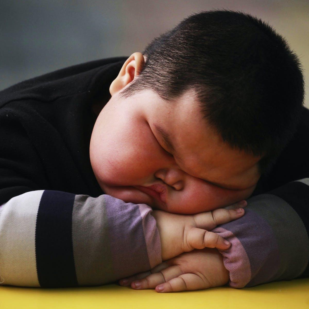 مراقب چاقی کودکان در این دوران باشید