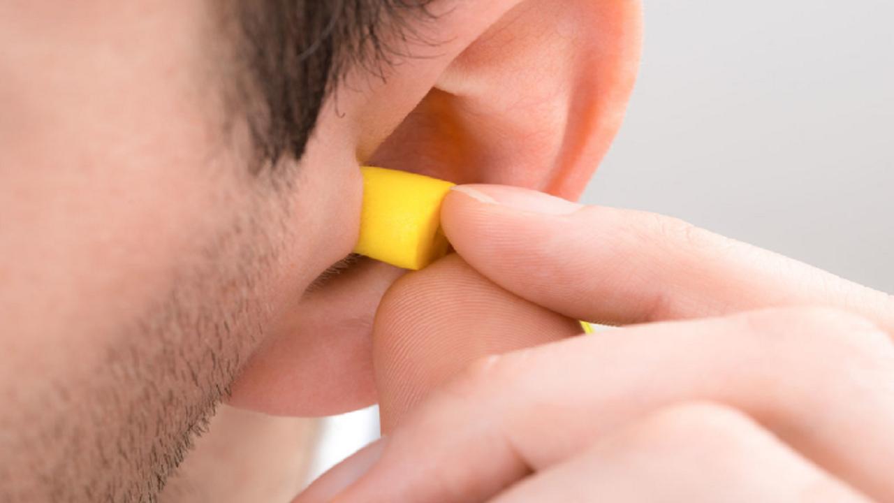 دلایل اصلی وزوز گوش را بشناسید