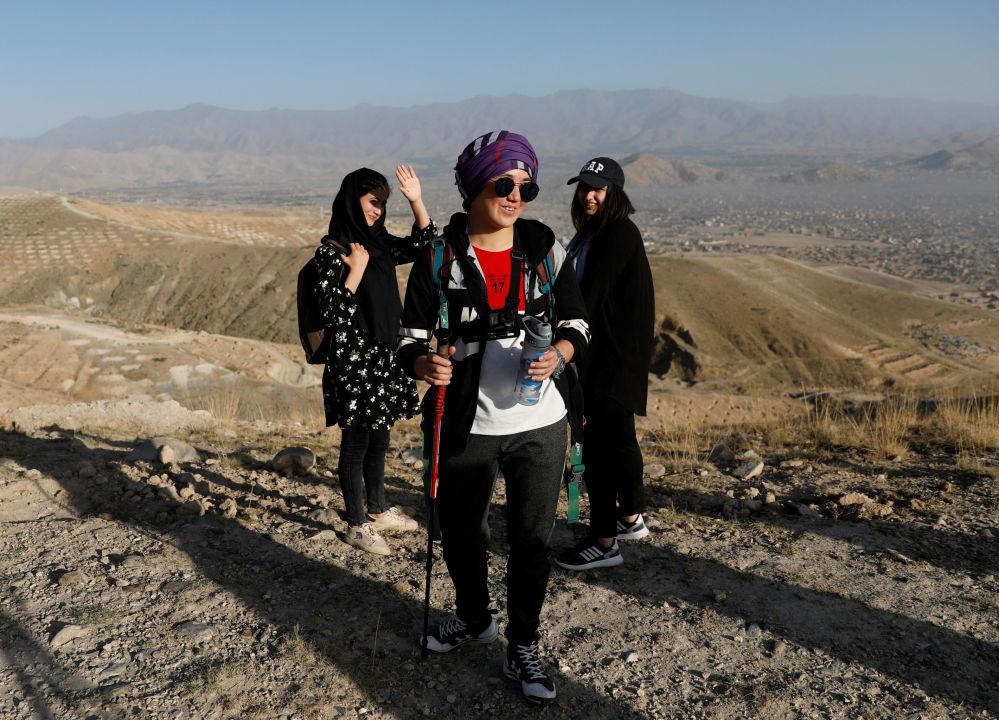 تلاش برای فتح اورست توسط دختر 18 ساله افغان + عکس