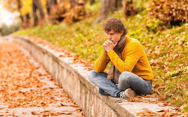 چرا برخی در پاییز افسرده می شوند؟