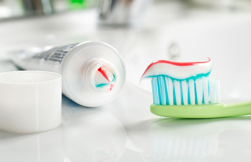 چگونه خمیر دندان مناسب انتخاب کنیم؟