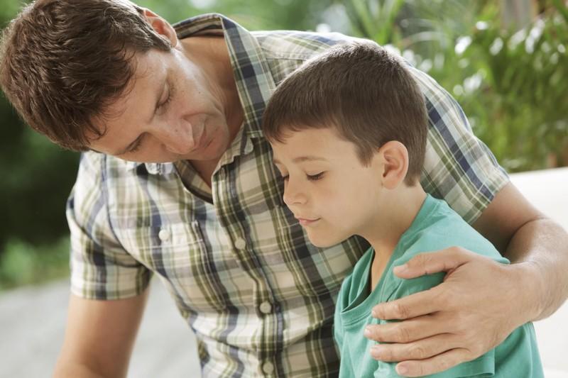 رابطه بین پدر و پسر چگونه باید باشد؟