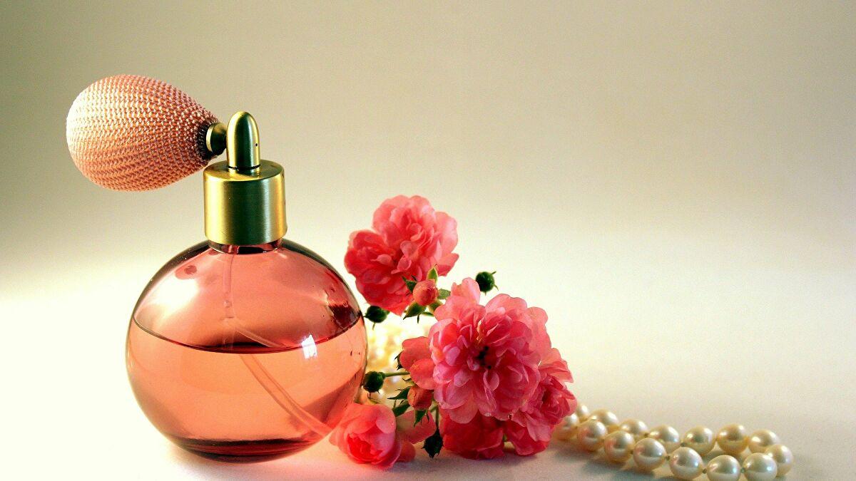 راهنمای انتخاب یک عطر و ادکلن مناسب و استفاده از آن