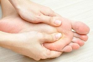 ماساژ کف پا را به این دلایل هر شب داشته باشید+عکس