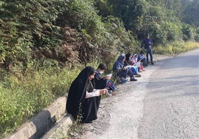 برگزاری کلاس مجازی دانشآموزان کنار جاده! + تصاویر
