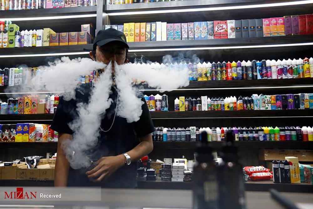 اقدام تعجب آور فروشنده دخانیات! + عکس