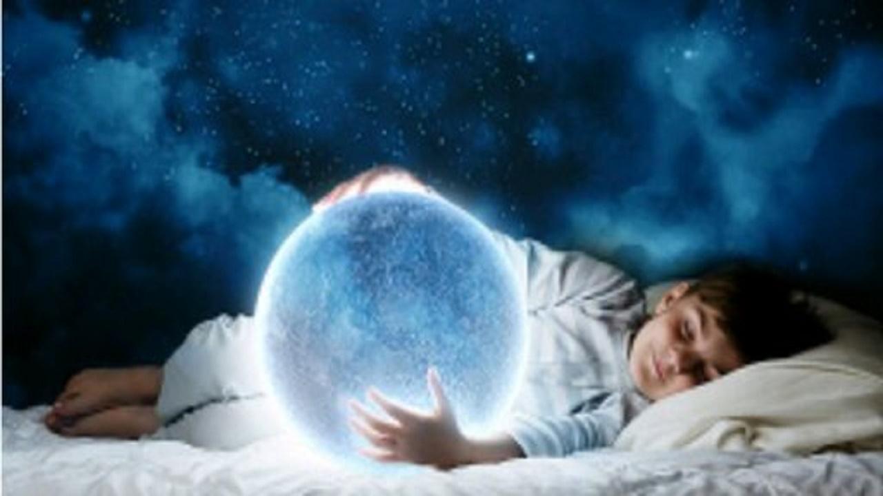 چرا خوابهای خود را فراموش میکنیم؟