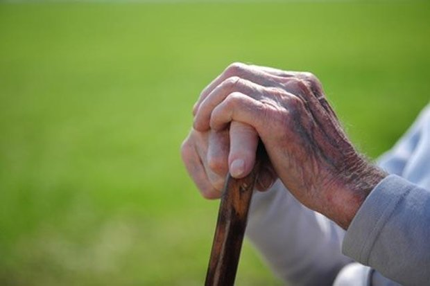 در مقابل کرونا چگونه از سالمندان مراقبت کنیم ؟