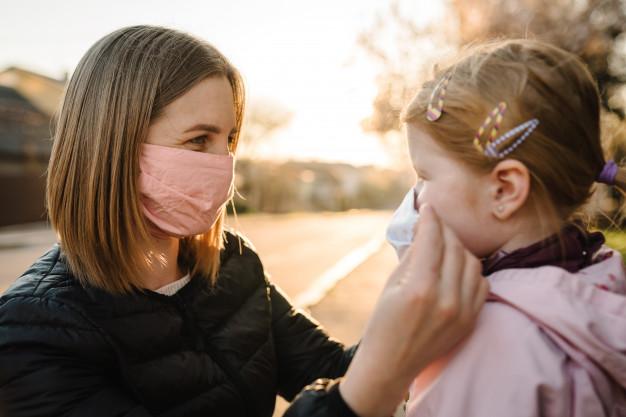 کودکان هم باید ماسک بزنند؟