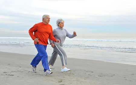 چرا افراد سالمند باید ورزش کنند و چه ورزش هایی برای سالمندان مناسب است؟