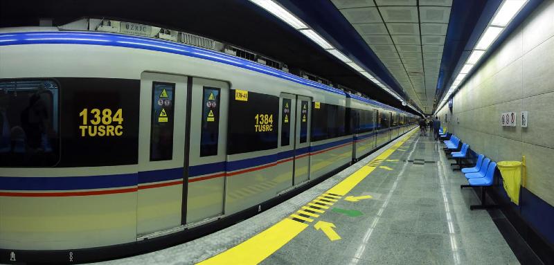 وضعیت مترو تهران در اولین روز محدودیت های شدید کرونایی+ عکس
