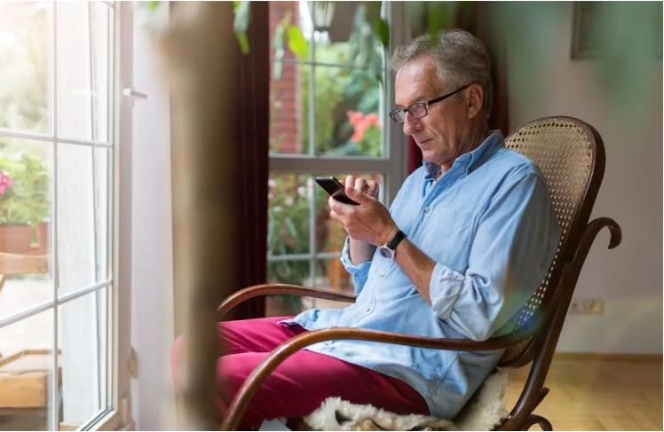 چگونه در قرنطینه به سالمندان کمک کنیم؟