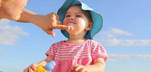 باورهای نادرست درباره مصرف ضدآفتاب برای کودکان