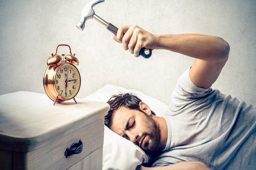 کارهایی که صبح بعد بیدار شدن نباید انجام داد
