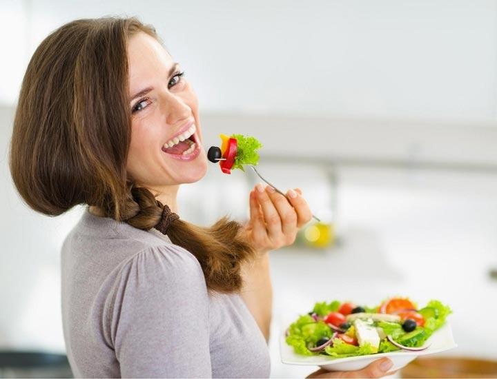 چند خوراکی ضروری  در رژیم غذایـی زنـان ! | اختصاصی