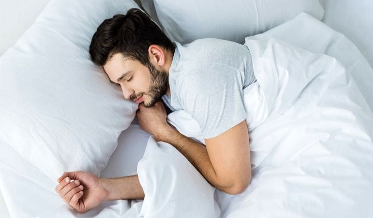 با خوابیدن ساعت 10 شب چه اتفاقی در بدن می افتد؟