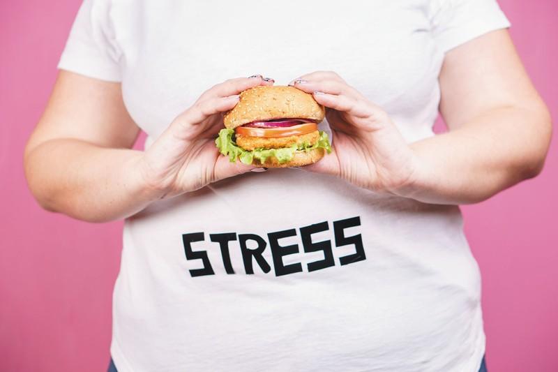 آیا چاقی ناشی از اختلال روانی است؟
