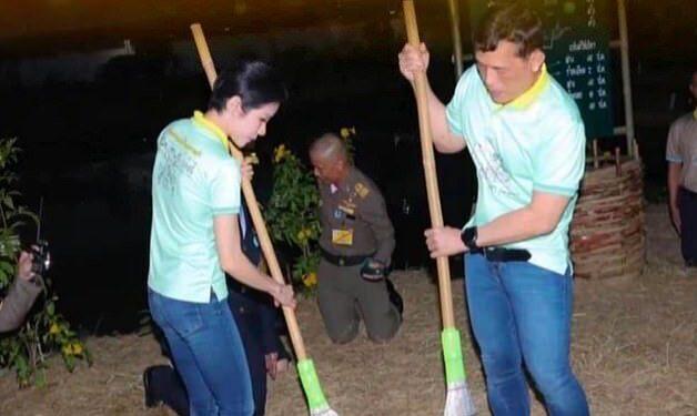 جارو کشیدن پادشاه و ملکه تایلند سوژه شد+ عکس
