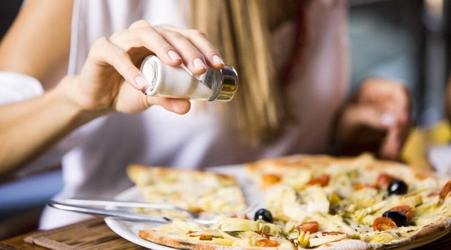اگر دیگر نمک نخوریم چه اتفاقی در بدن مان می افتد؟