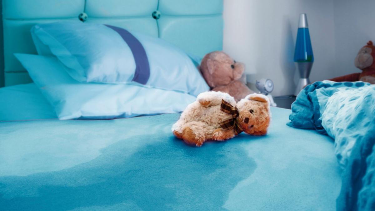 دلایل اصلی شب ادراری در کودکان +راه های درمان آن