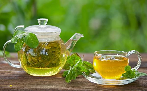 کاهش استرس و رفع اضطراب با ۸ دمنوش گیاهی