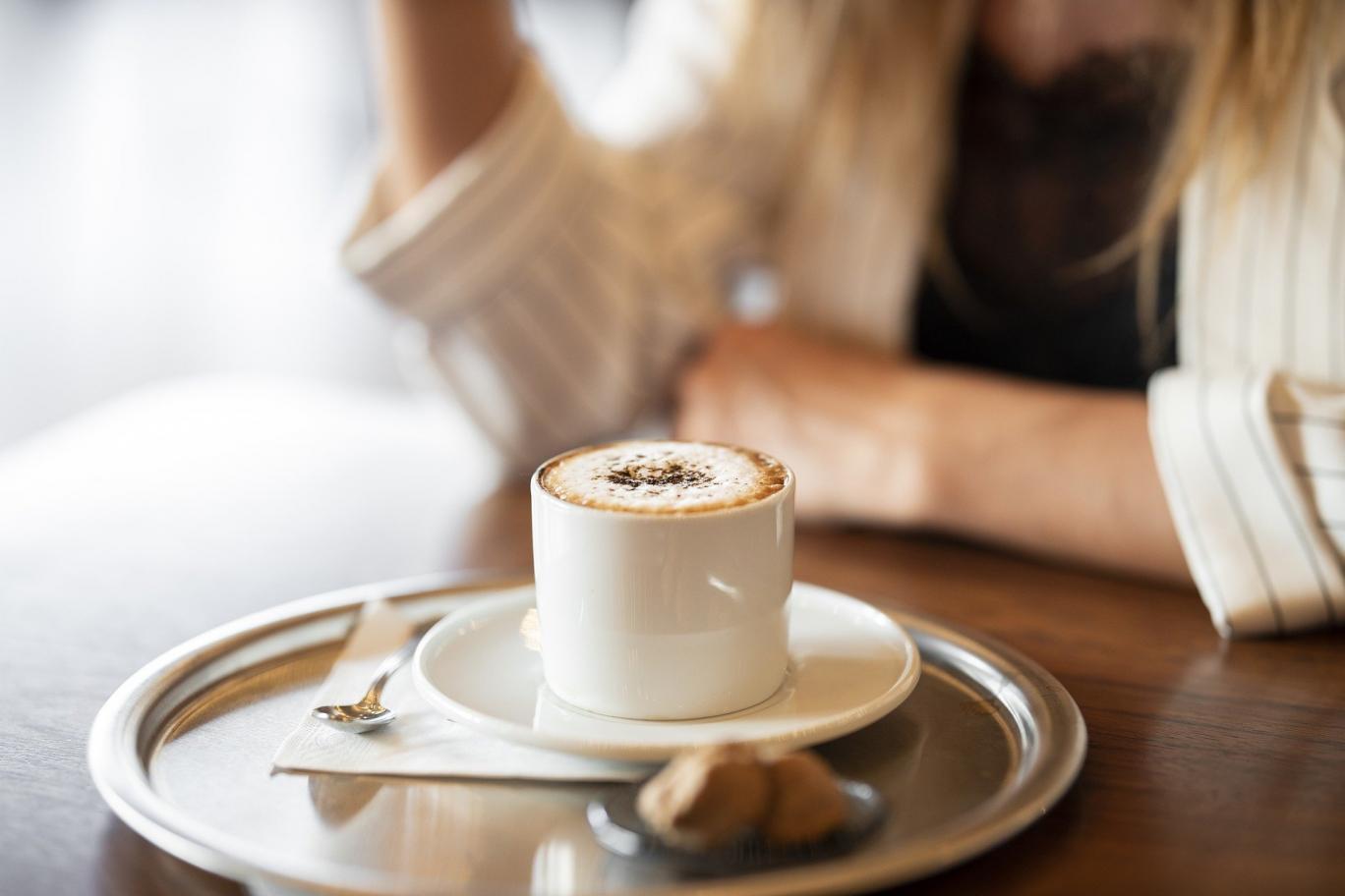 بیشتر قهوه بنوشید+ دلیل