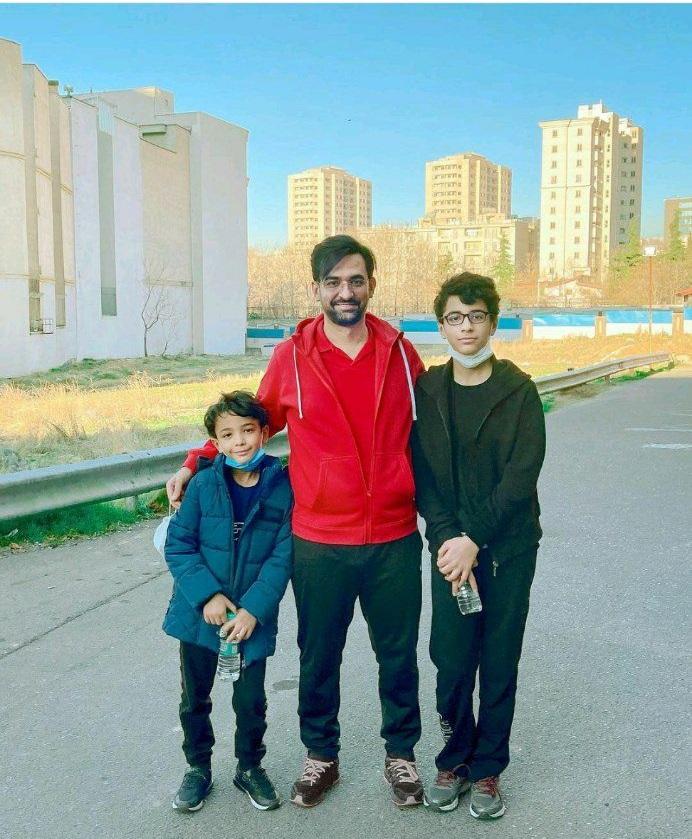 ورزش صبحگاهی وزیر ارتباطات و فرزندان + عکس