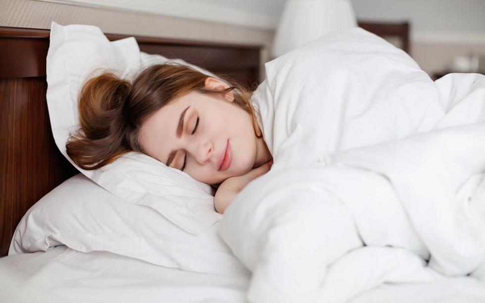 کمتر از پنج ساعت خواب شبانه چه بلایی سر شما میآورد؟
