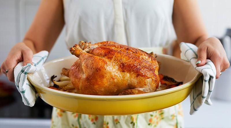 9بیماری که با مصرف بی رویه گوشت قرمز و مرغ به وجود می آید