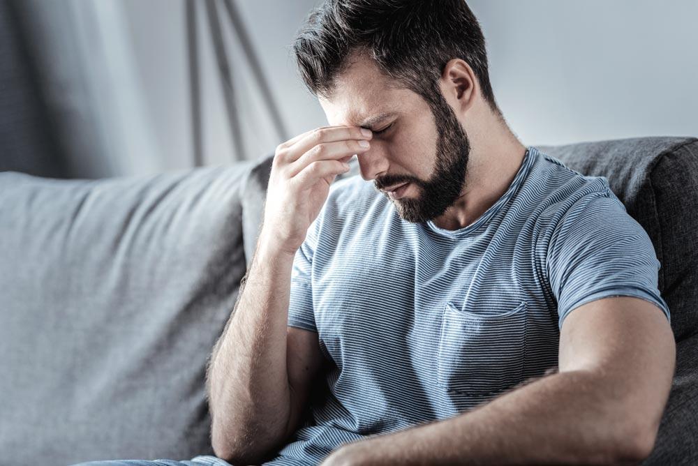 علت  سردردهای روزانه چیست؟+  شیوه کنترل آنها